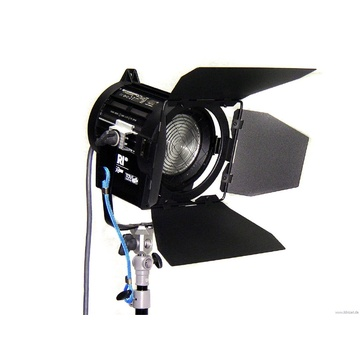 Arri 650 Watt Plus Fresnel Tungsten Light - Black (120-240V AC)