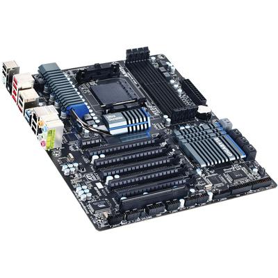 Gigabyte AMD 900 Series GA-990FXA-UD5 Motherboard