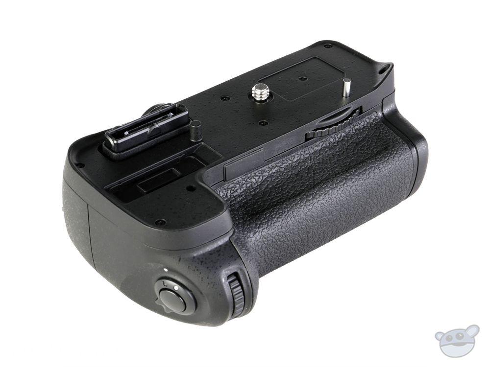Vello BG-N4.2 Battery Grip for Nikon D7000