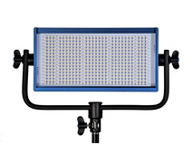 Dracast LED500 Bi-Colour LED Light with Gold Mount Battery Plate