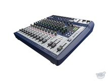 Soundcraft Signature 12 12-Input Mixer with Effects